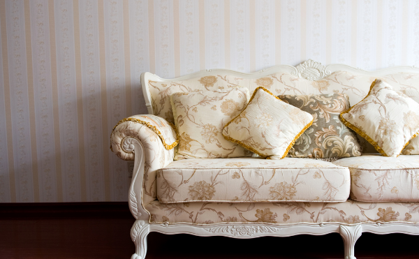 サロンのソファ